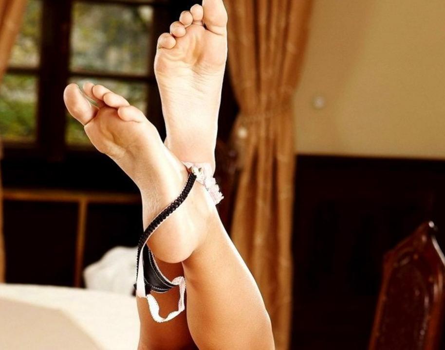 Женщины фетиш ноги чулочкиколготки порно фото